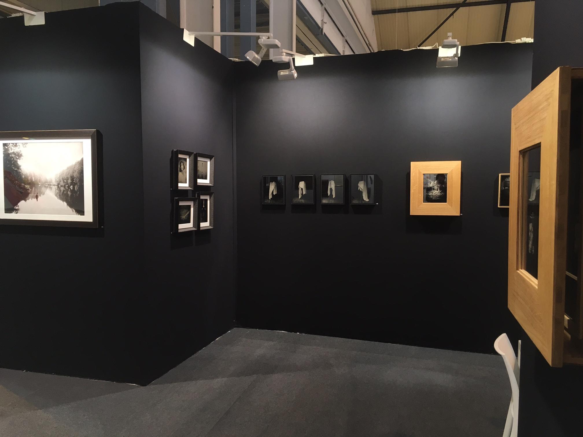 Stand D13 - St'Art 2016 - Laurence Esnol Gallery avec le photographe Eric Antoine 2021
